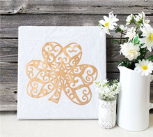 Gold Shamrock Decor