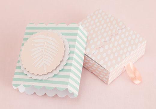 Tropical Leaf Favor Box - image