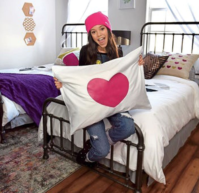 Heart pillow case