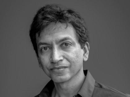 Vivek Jayaraman Headshot