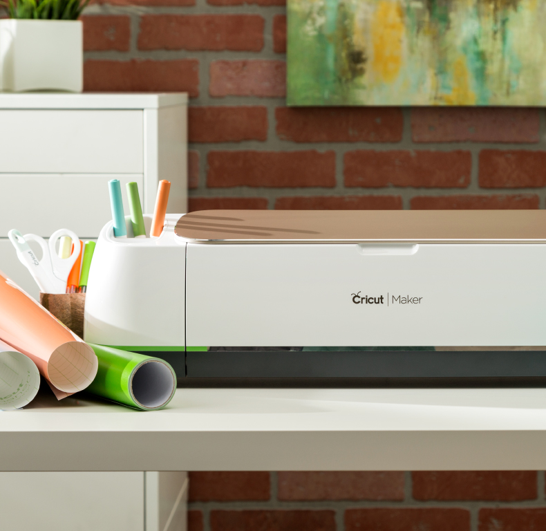 Cricut Maker with materials