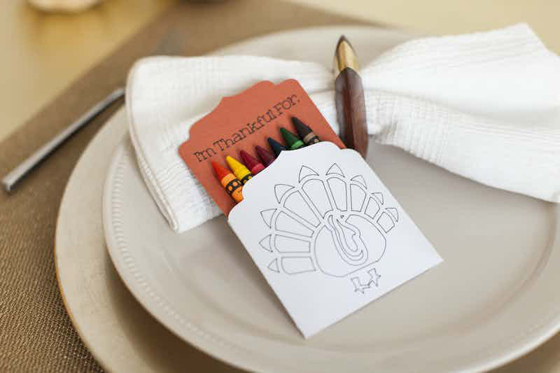 Add these cute crayon holders to your Thanksgiving table