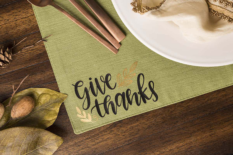 Make this place mat for your Thanksgiving meal