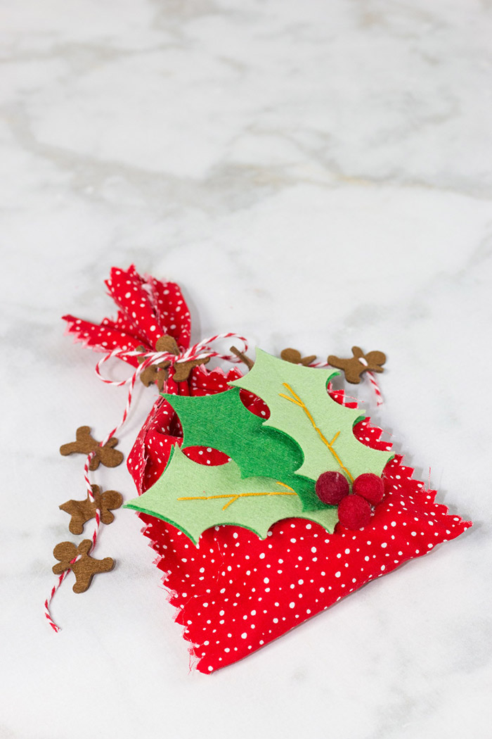 No-Sew Gift Bags from Sweet Red Poppy