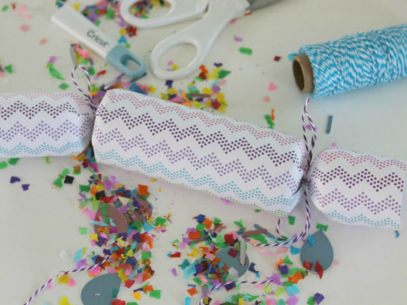 Party poppers in Cricut Design Space