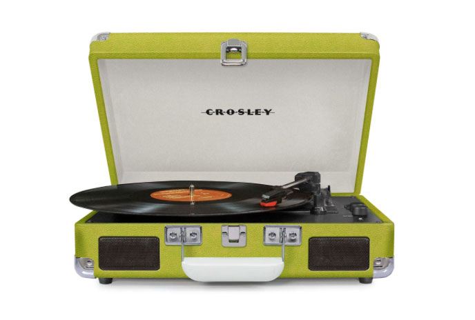 Crosley Cruiser portable turntable in green