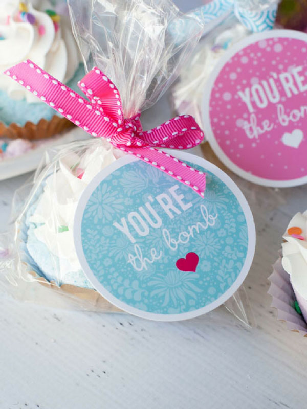 Make your own bath bomb signs with your Cricut