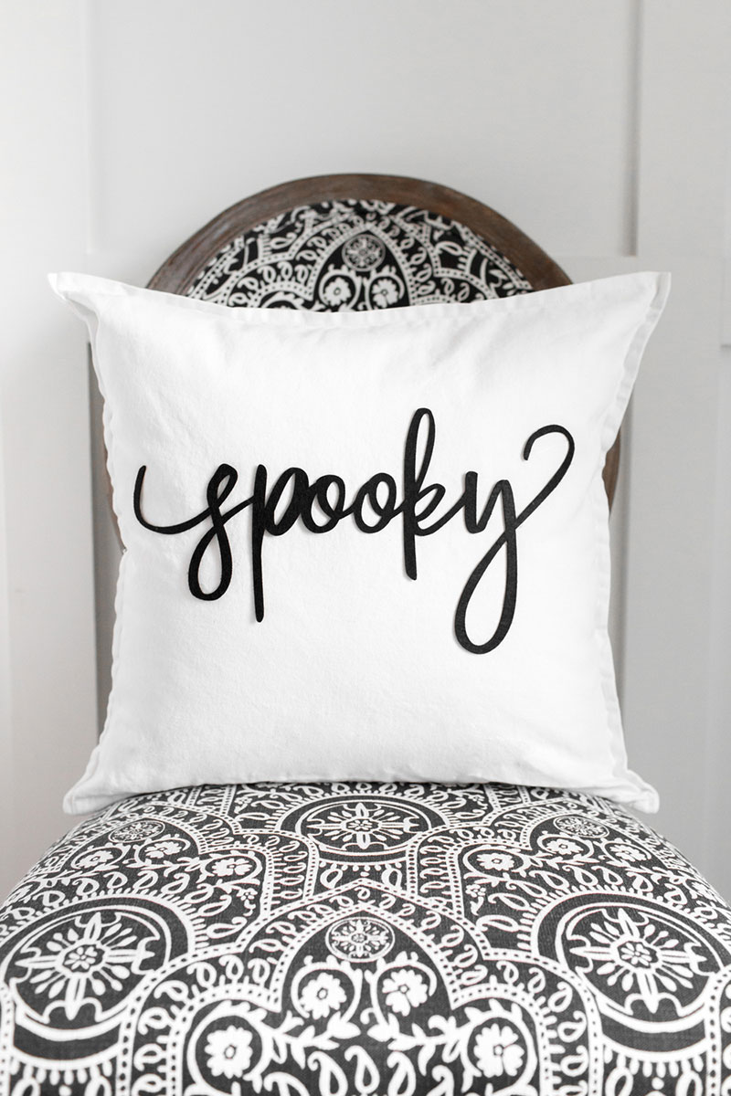 Make this easy Spooky pillow