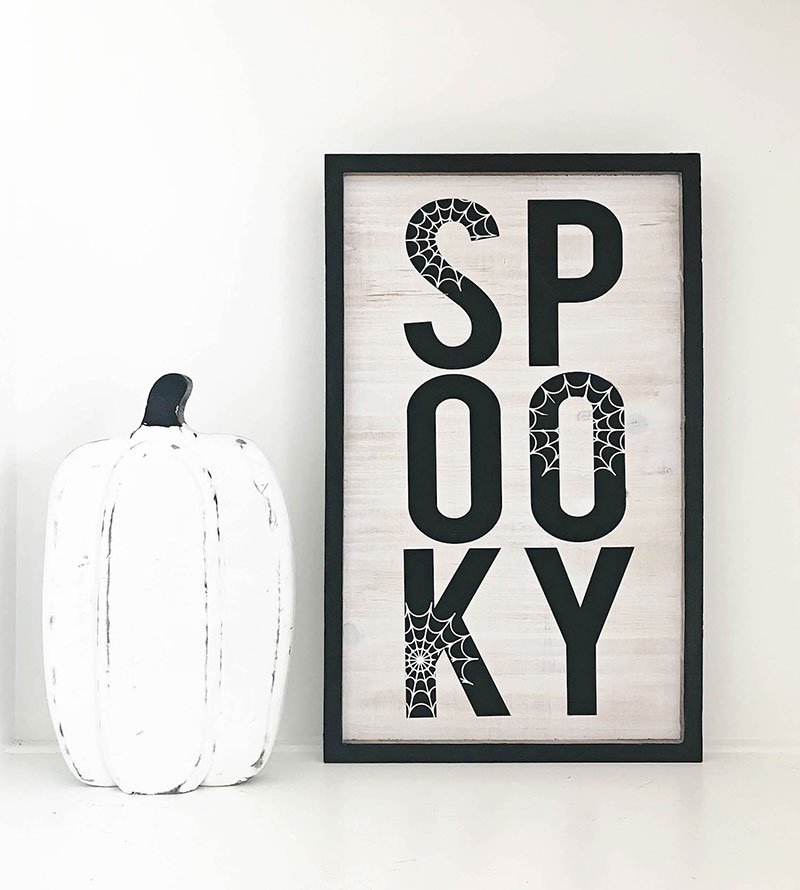 Make this spooky wood sign for Halloween