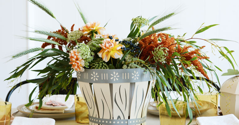 Thanksgiving basket table decor